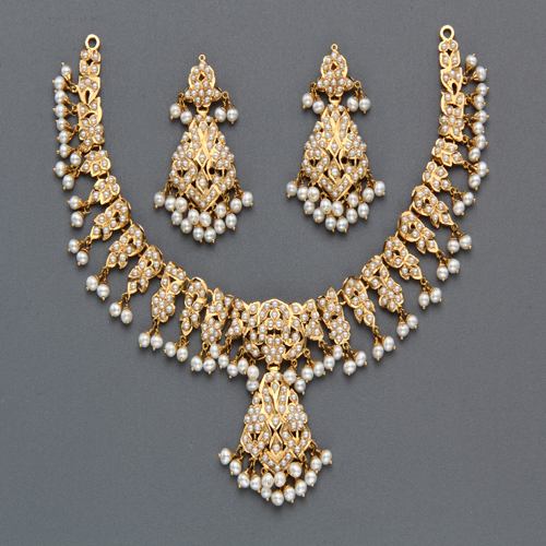 Pearl Necklace Sets