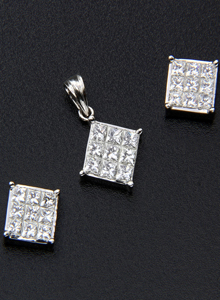 Diamond Locket Sets